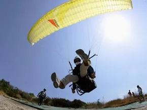 paragliding at dwijing festival